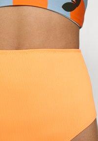 We Are We Wear - TIA REVERSIBLE HIGH WAIST PANT - Bikini bottoms - salmon/rust - 6