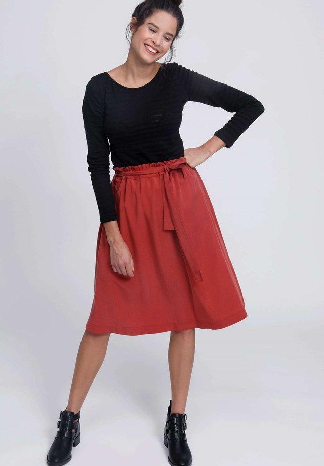 TRAFARIA - A-line skirt - chili