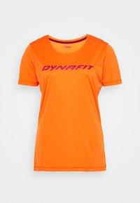Dynafit - TRAVERSE TEE - Print T-shirt - ibis - 0