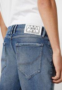 Amsterdenim - MOKUM - Shorts di jeans - steen - 3