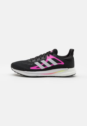 SOLAR GLIDE 3 - Zapatillas de running neutras - core black/footwear white/screaming pink