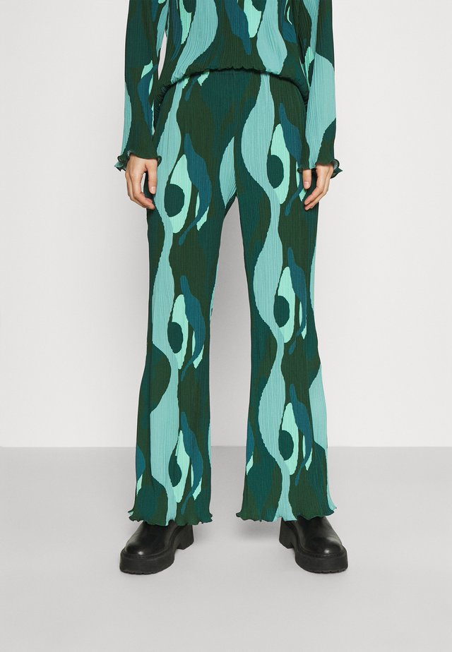 SWIRL SMUDGE PLISSE TROUSER - Trousers - teal