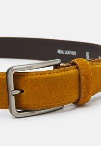 Pier One - LEATHER UNISEX - Belt - mustard yellow - 2