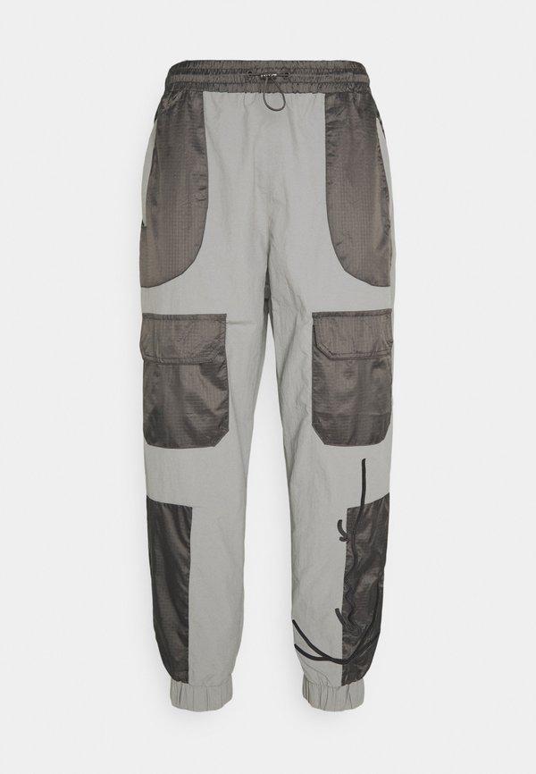 Karl Kani SIGNATURE BLOCK TRACKPANTS - Spodnie treningowe - grey/szary Odzież Męska UKJV