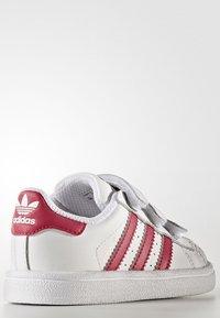 adidas Originals - SUPERSTAR CF  - Baby shoes - white/bold pink - 3