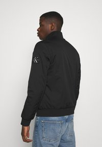 Calvin Klein Jeans - ZIP UP HARRINGTON - Bomber Jacket - black - 2