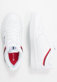 Champion - LOW CUT SHOE NEW COURT - Obuwie treningowe - white/red - 1