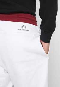 Armani Exchange - Træningsbukser - white - 3