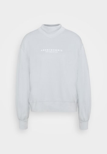 SEASONAL LOGO MOCK NECK CREW
