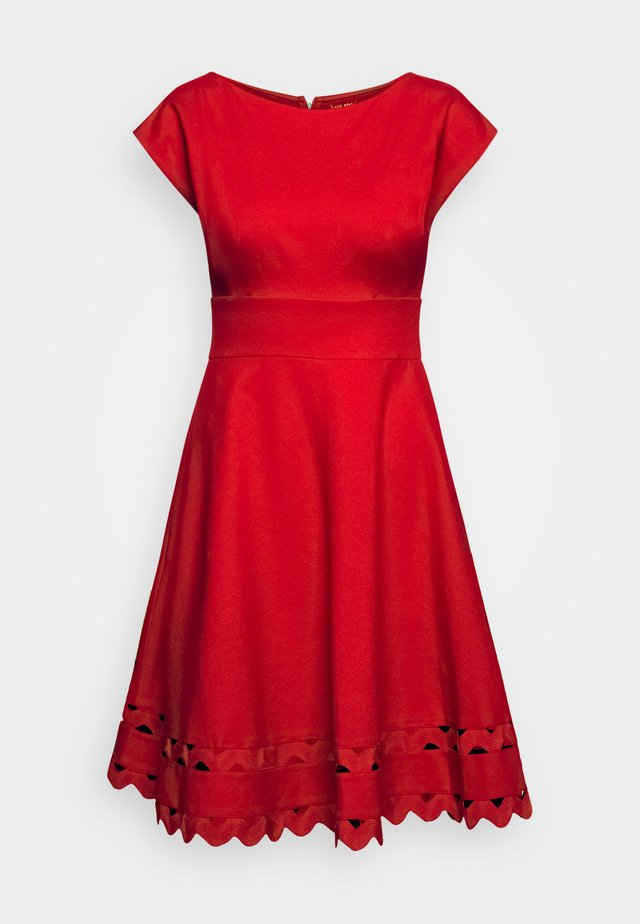 PONTE DRESS - Jersey dress - iced cherry