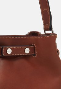 Marc O'Polo - BUCKET BAG - Handbag - authentic cognac - 3