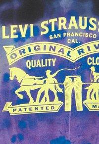 Levi's® - TEE UNISEX - Print T-shirt - caviar - 6