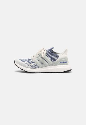 ULTRABOOST 6.0 UNISEX - Zapatillas - white/crew blue