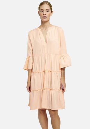 Denní šaty - peach