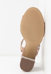 New Look Wide Fit - WIDE FIT TOYAL  - Sandali con tacco - oatmeal - 6