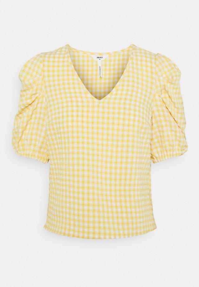 OBJTAMAR  - T-shirt med print - bamboo/sandshell