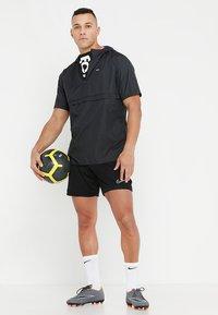 Nike Performance - DRY ACADEMY SHORT  - Korte sportsbukser - black/black/white - 1