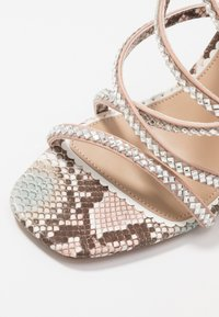 River Island Wide Fit - Sandali con tacco - pink light - 2