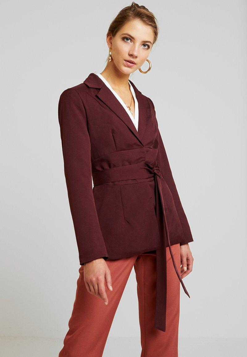 Missguided - BELTED - Blazer - burgundy