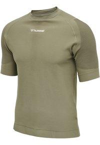 Hummel - HMLCUBE - Print T-shirt - vetiver - 1