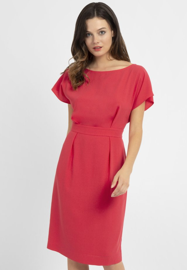 Robe fourreau - coral