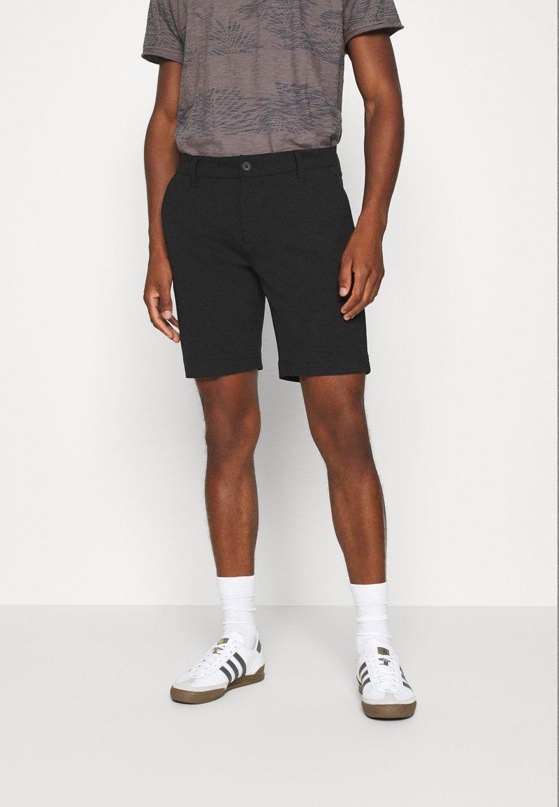 INDICODE JEANS - AALBORG - Shorts - black