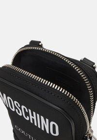 MOSCHINO - SHOULDER BAG UNISEX - Across body bag - black - 7