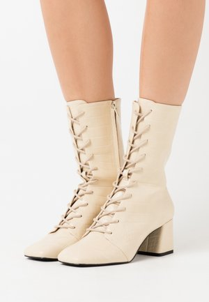 VEGAN THELMA BOOT - Lace-up boots - yellow