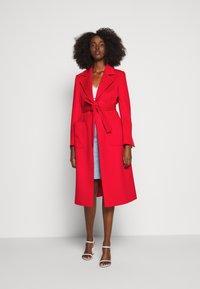 MAX&Co. - RUNAWAY - Płaszcz wełniany /Płaszcz klasyczny - red - 0