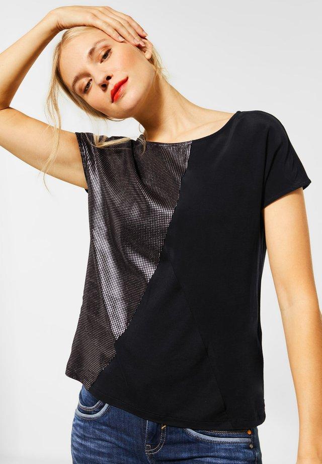 MIT METALLIC-LOOK - Print T-shirt - schwarz