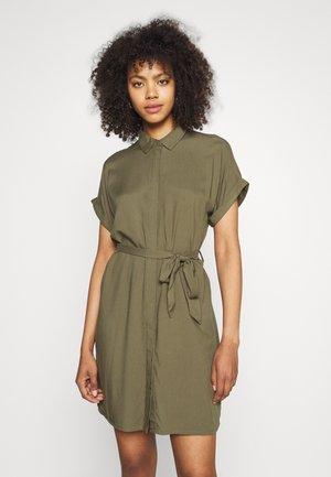 VMSIMPLY EASY SHIRT DRESS - Blousejurk - ivy green