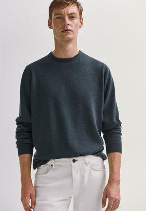MIT RUNDAUSSCHNITT  - Pullover - khaki