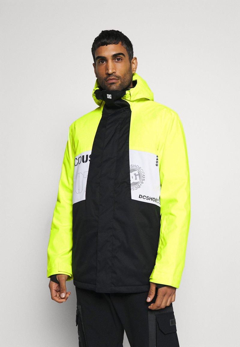 DC Shoes - DEFY JACKET - Snowboard jacket - syndicate white