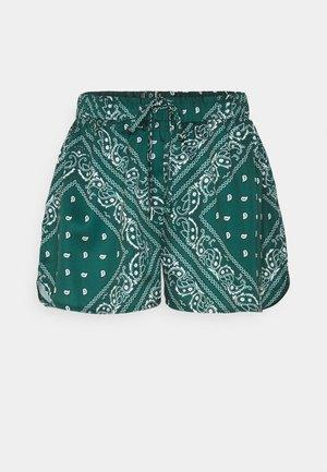 ELASTICATED WAIST RUNNER - Shorts - green