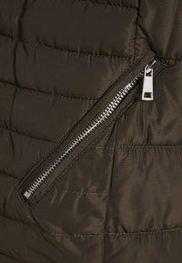 Dorothy Perkins Curve - HODDED - Klassinen takki - khaki - 2