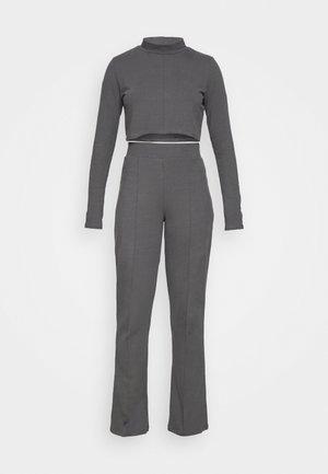 SEAM DETAIL JOGGER SET - Sweatshirt - off-black