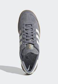 adidas Originals - HAMBURG TERRACE - Trainers - grey core black gum - 2