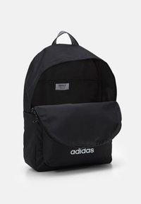 adidas Originals - BACKPACK UNISEX - Batoh - black/white - 2