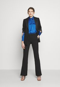 Victoria Victoria Beckham - SPLIT SLEEVE - Košile - mid blue - 1