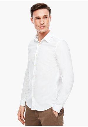 MIT MUSTERSTRUKTUR - Shirt - white