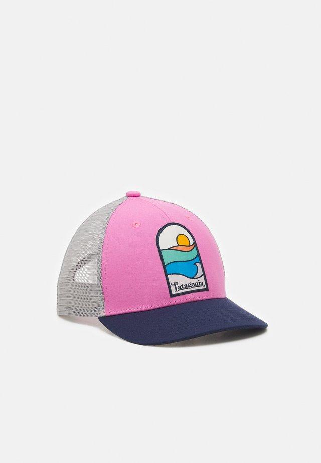 TRUCKER HAT UNISEX - Keps - marble pink