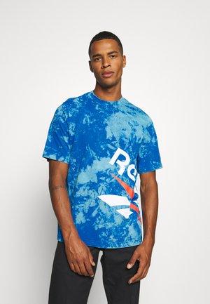 CL GP TIE DYE VINTAGE TEE - Print T-shirt - dynblu