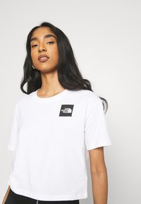 The North Face - CROPPED FINE TEE - T-shirt imprimé - white - 3