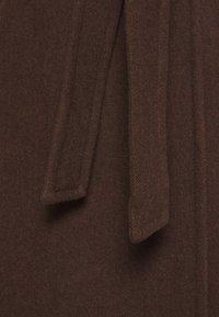 Part Two - EJA - Zimní kabát - chocolate glaze - 2