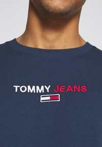 Tommy Jeans - CONTRAST LINEAR  - Maglietta a manica lunga - twilight navy - 5