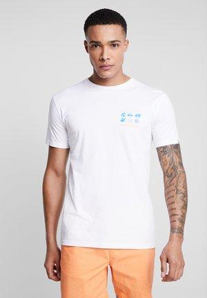 SLOWBURNSS - Print T-shirt - white