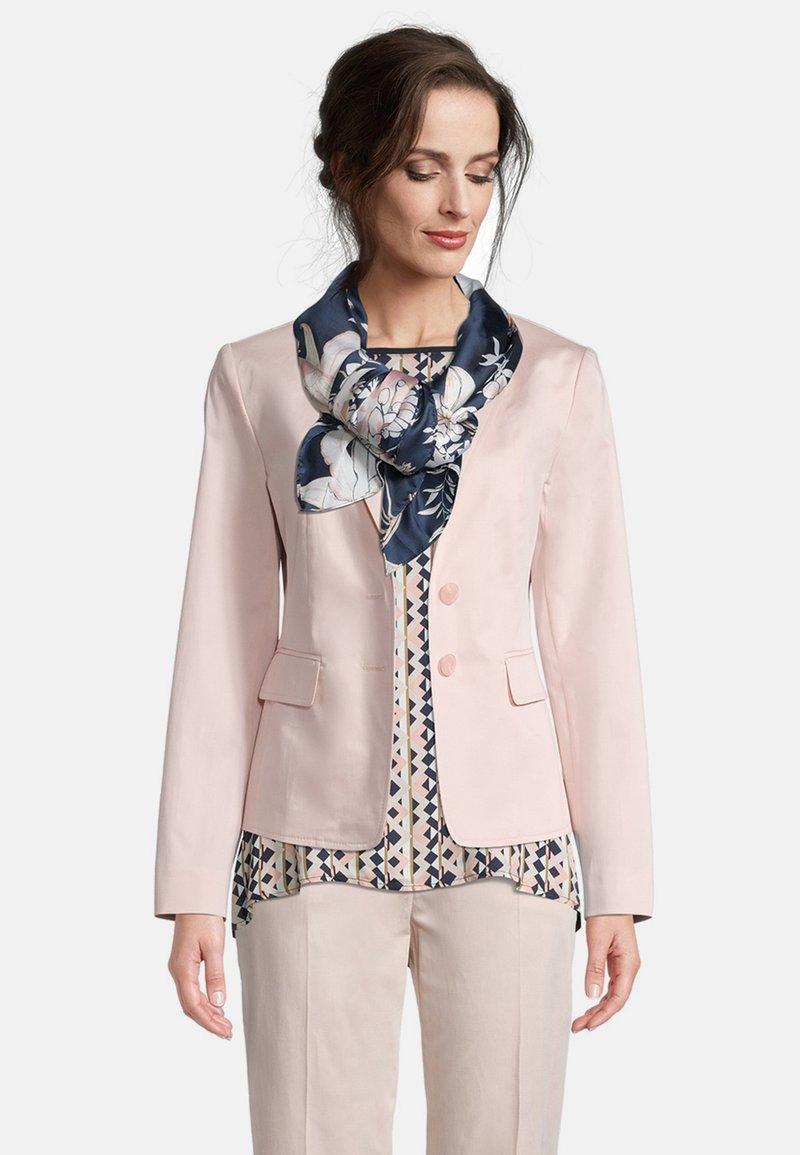 Betty Barclay - MIT AUFDRUCK - Foulard - dark blue-rosé