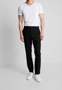 Burton Menswear London - STRETCH - Jakkesæt bukser - black - 0