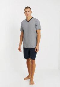 TOM TAILOR - SHORTY V-NECK - Pyžamo - dark blue - 1