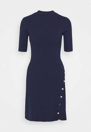 ROSEA - Strikket kjole - marine